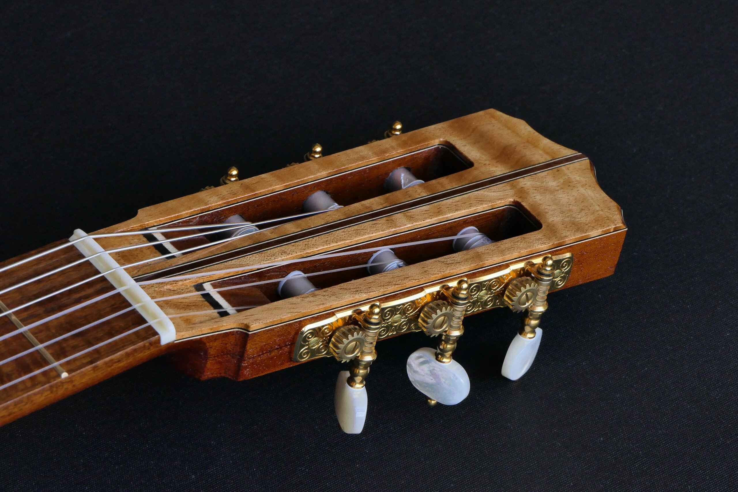 Flamenco guitar slot headstock, Gotoh tuners, pearl buttons