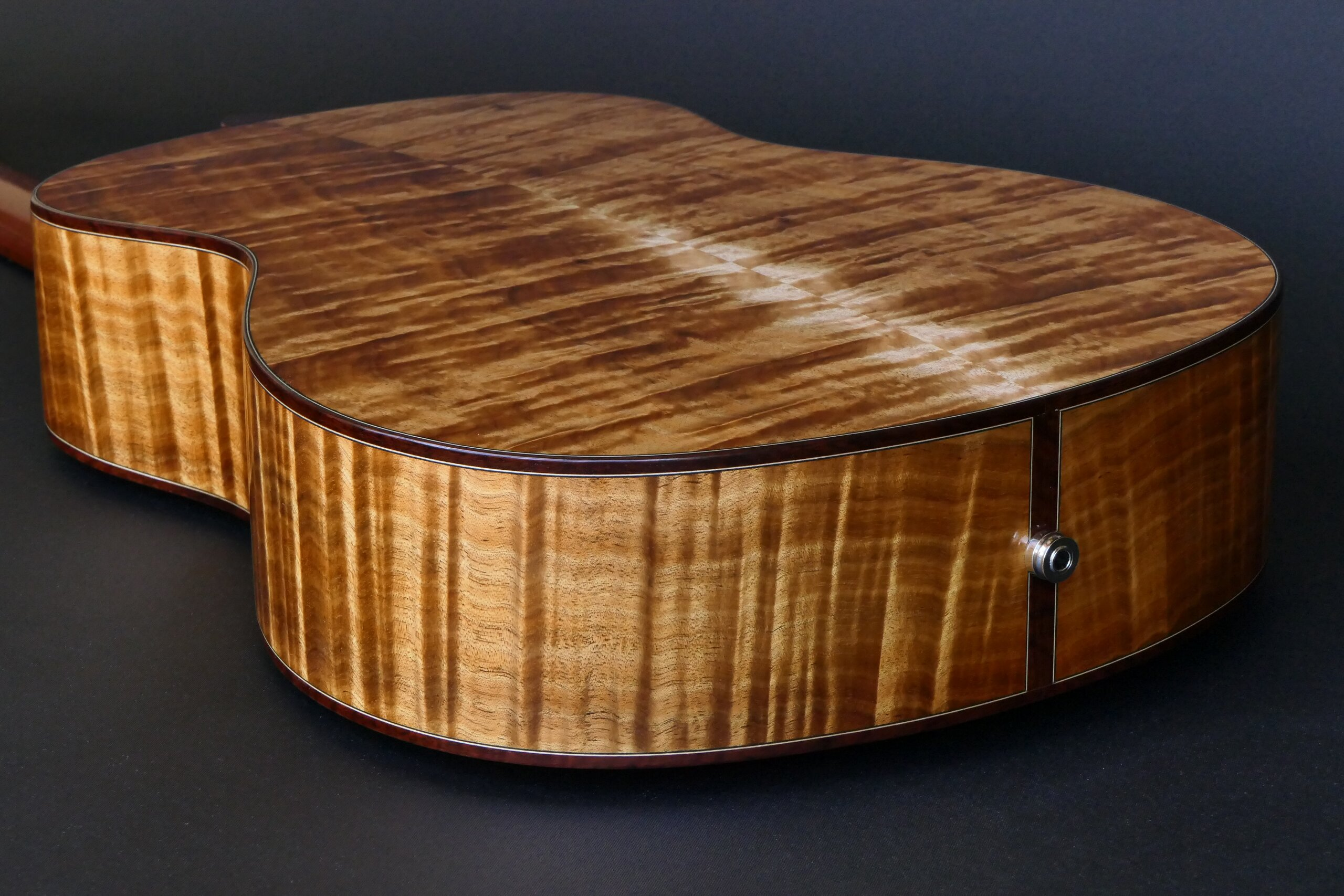 Flamenco guitar with low density Australian blackwood back and sides